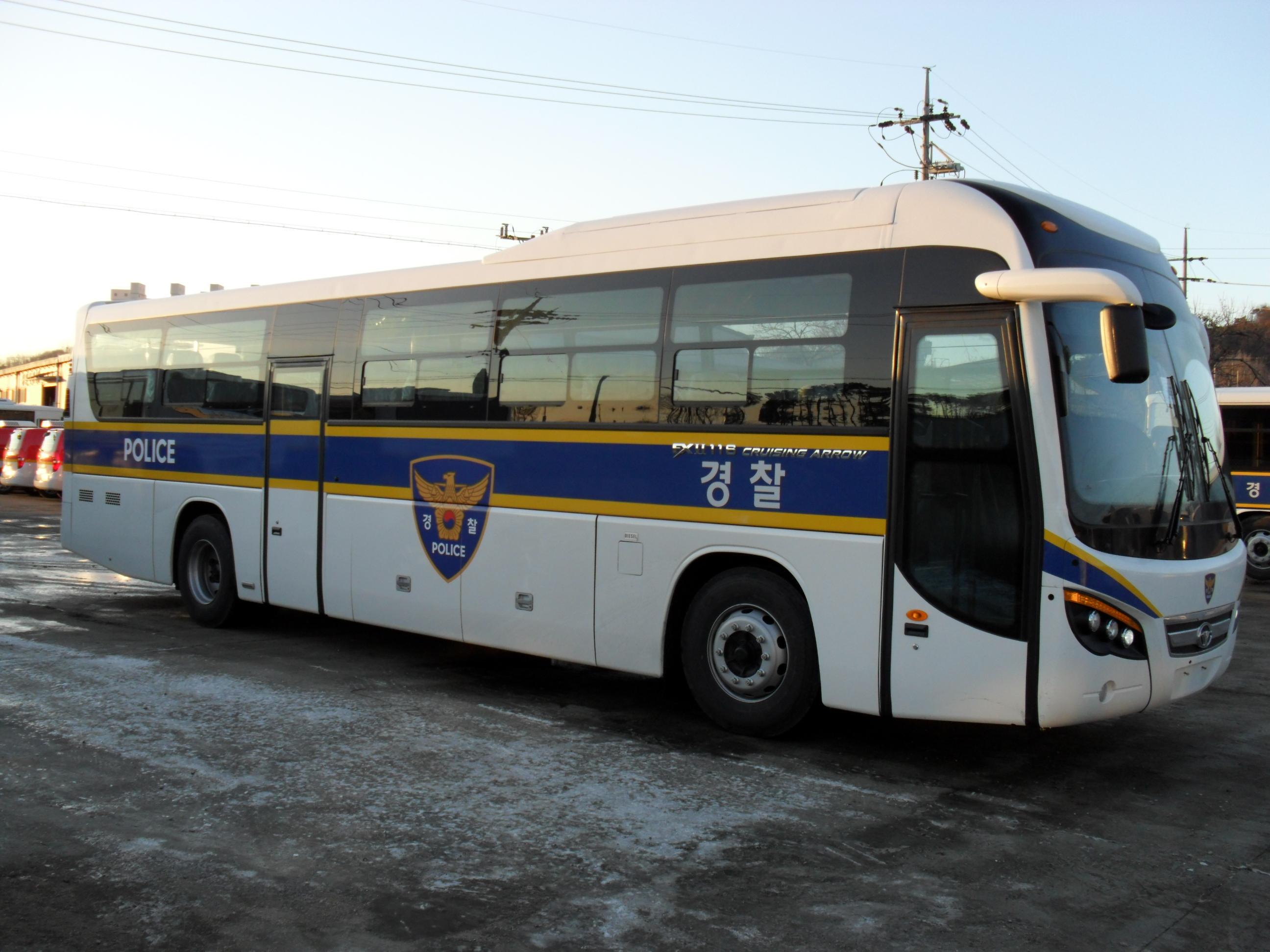 승합(경찰수송용) 사진